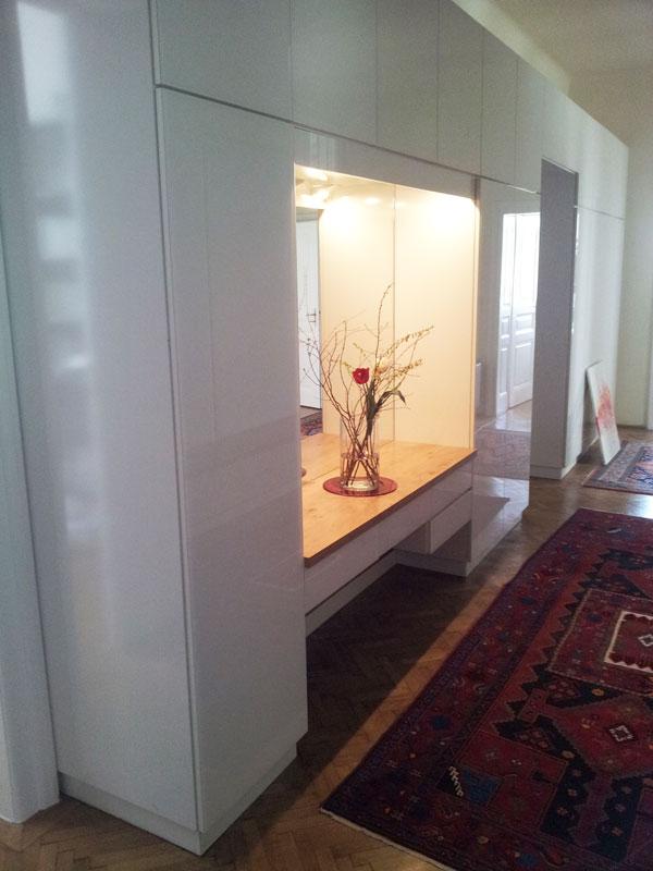Vorzimmer Möbel